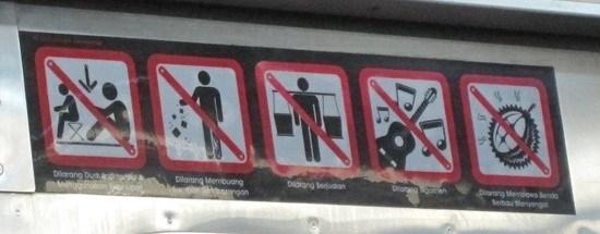 prohibiciones bus Jakarta