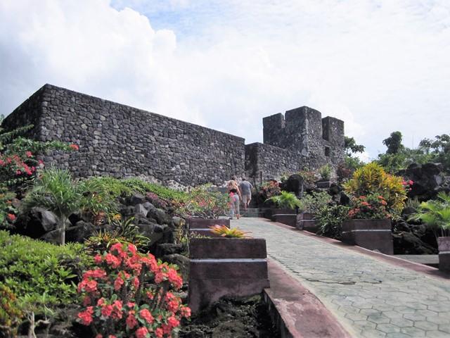 Fort Tore Indonesia subida