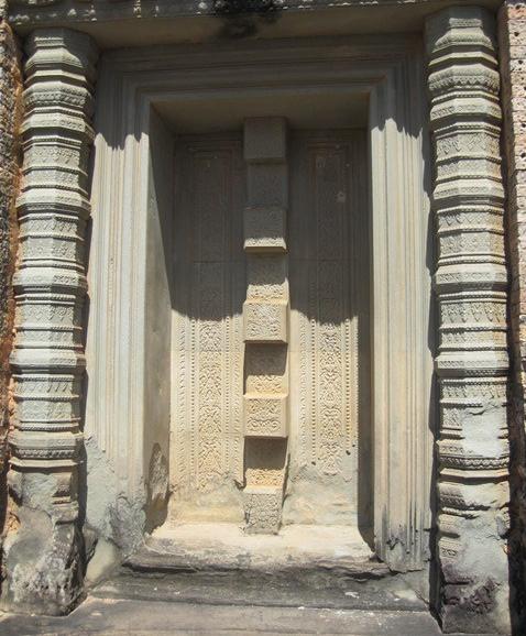 Angkor Mebon oriental 2