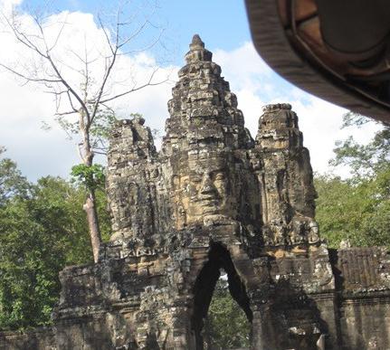 Angkor puente3