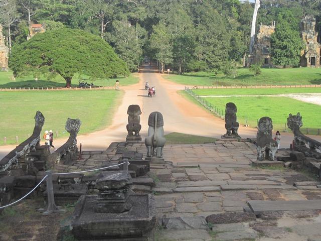 Terraza Elefantes Angkor3