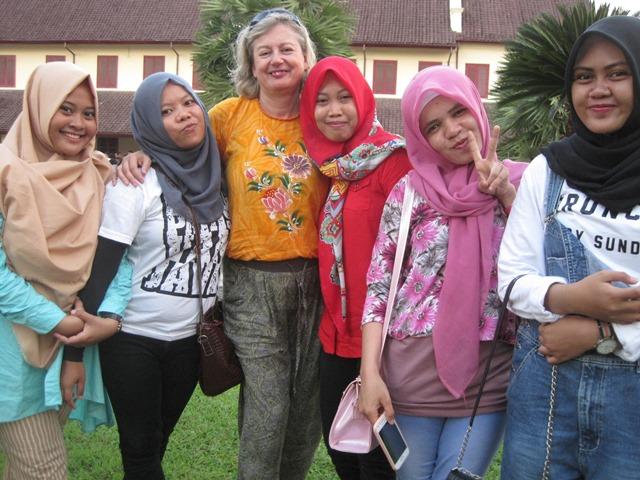 Vivir dia a dia en Indonesia gente (5)